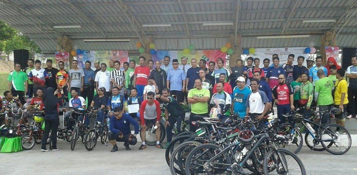 Polytechnic Merlimau Melaka Cycling Club