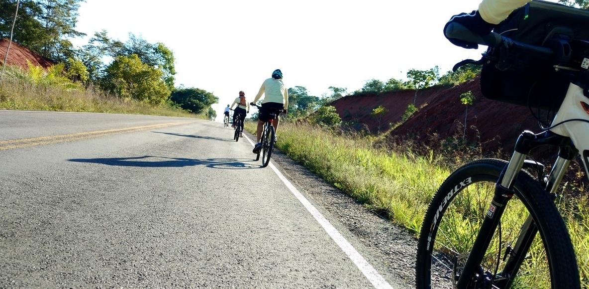 Já Fui de Bike para a Praia do Forte com a Confraria
