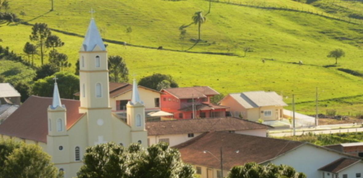 Leoberto Leal Santa Catarina fonte: dgalywyr863hv.cloudfront.net