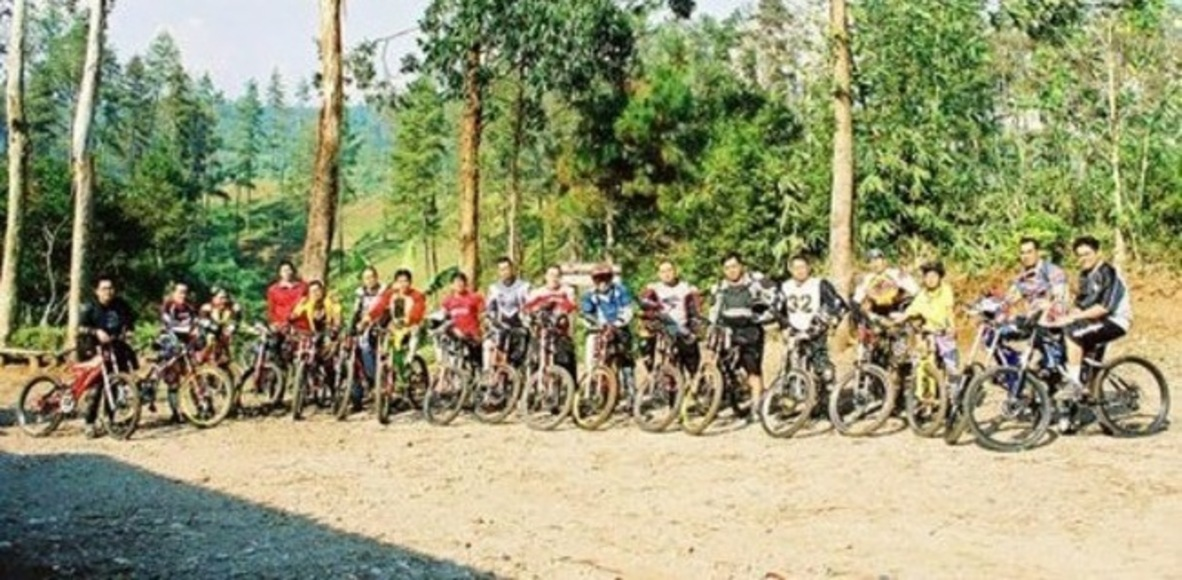 Zerotwotwo Cycling Club