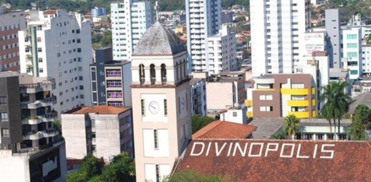 Divinópolis Minas Gerais fonte: dgalywyr863hv.cloudfront.net